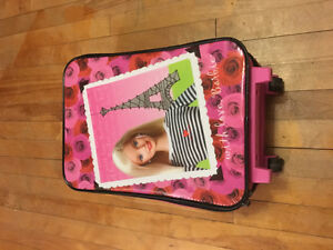 Barbie & Ni-hao Kia lan suit case
