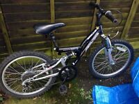 Boys bike 6-8 years approx