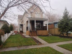 *** Half Duplex - For Rent - Oct 1, 2016 ***
