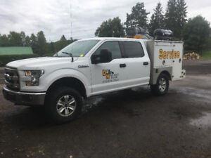 Like new service truck oro aluminum body
