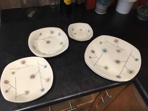 Vintage Midwinter Stylecraft Flower Mist Plates and Bowls