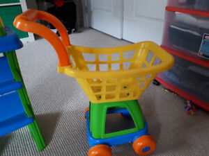 Cash register and shopping cart toy