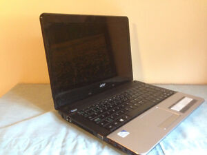 Acer Aspire E1 2012 Laptop with Case and Mouse