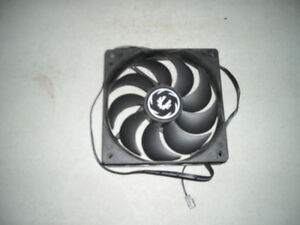 120mm Fans 3pin $10.00