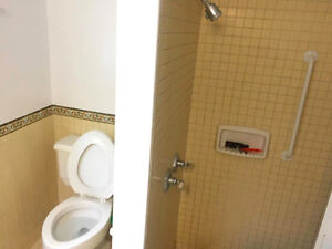FURNISHED, SPACIOUS ROOM RIGHT ON QUEEN'S CAMPUS!