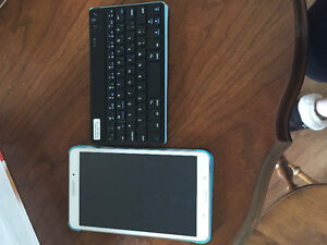 Samsung Tablet 4 with Bluetooth Keyboard