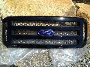 GRILLE FORD 2007 ET+
