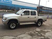 TOYOTA HILUX PICKUP DOUBLE CAP WHEEL DRIVE D4D