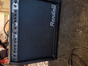 Roland guitar amp and pedal