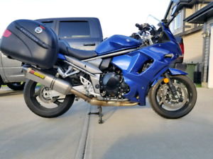 2012 SUZUKI GSX1250FA WITH GIVI BAGS & AKRAPOVIC EXHAUST