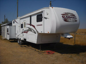 2009  Sundance Fifthwheel built by heartland