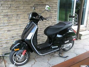 Vespa 2009 GTS Super 250 ie