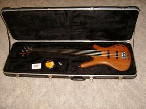 Warwick Corvette Standard FRETLESS Bass Guitar with HSC