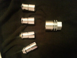 safety lock nut set for mustang
