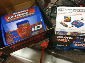 Traxxas lipo charger with 2s lipo battery
