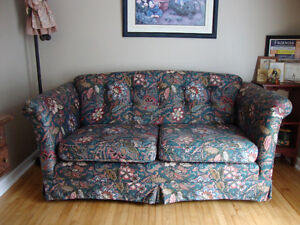 Floral print love seat. Smoke free. Excellent condition.