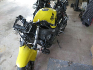 PARTING OUT 2002 HONDA CBR600