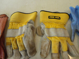 6 Pairs of Garden or Work Gloves - Men or Women. $4.00 for All Kitchener / Waterloo Kitchener Area image 3