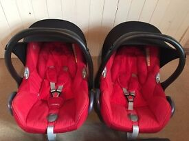 Maxicosi cabriofix plus isofix bases - a set of 2! (ideal for twins)