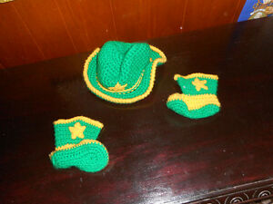 FS:  Handmade Cowboy Hat and Boots for Baby Gatineau Ottawa / Gatineau Area image 1