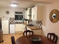 Double room in period house homeshare