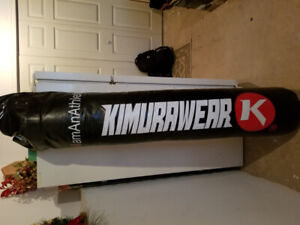 Brandnew 6ft kimurawear bag w/chains gloves and focus mitts.