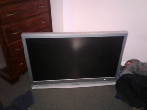 """2006 48"""" sony TV for sale need gone asap"""