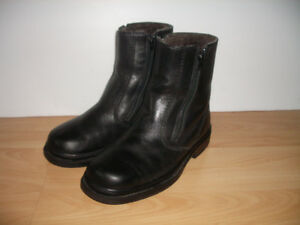 "mouton / shearling """" PAJAR """" Boots / bottes -- size 8 US / 40"