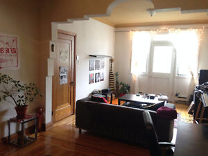 Beautiful 4 1/2 for rent June 1st!