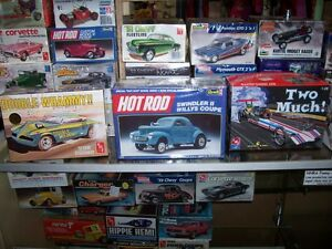 OLDER NHRA   AND  HOT WHEELS  COLLECTABLES AND MODEL KITS London Ontario image 4