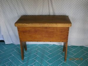 Antique Canadiana Pine Dough Box for Sale