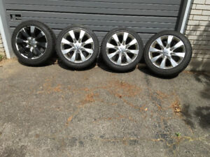 Set of 4 Infiniti Factory Rims and Winter Tires 245 45R 18""