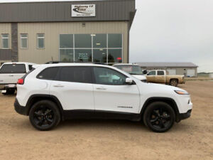 2016 JEEP CHEROKEE LIMITED 4WD HTD SEATS SUNROOF LOW KMS