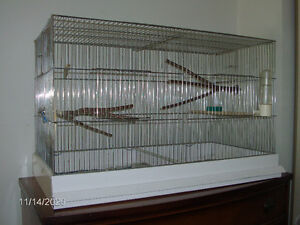 Big Jovoco Breeding cage 4 doors in very good shape it comes wit