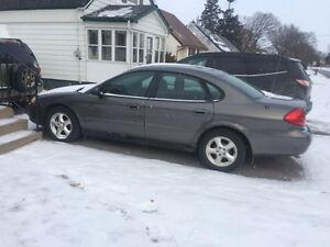 2003 Ford Taurus Sedan