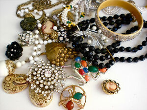 Collector of vintage jewelry