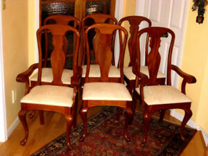 6 Super Strong Solid Mahogany Queen Anne Chairs, Table Top