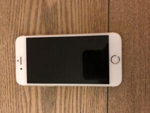 IPhone 6S 16GO avec 5 étuis
