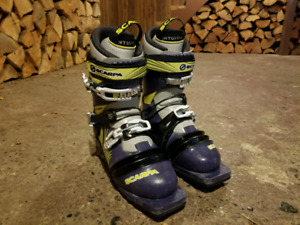 25.5 Scarpa T2 Eco telemark boots