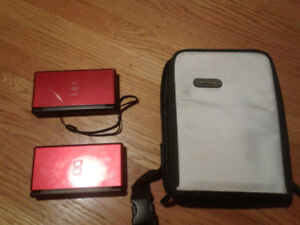 2 Nintendo DS Lite with bag and various games/accessories