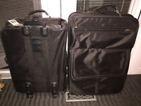 2 Pieces of clean smoke-free luggage