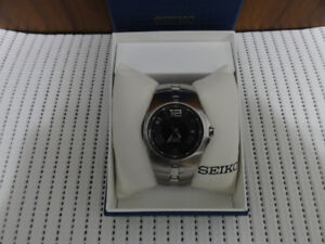 Gorgeous Seiko Arctura Kinetic Watch Stainless Steel Brand New