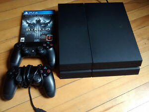 PS4 500GB 2 manettes excellente condition