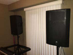 DJ SETUP - Pair of Mackies + Yorkville Subwoofer