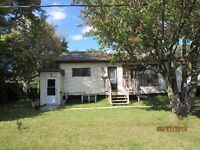 Main Floor Duplex - Orleans - Heat & Hot Water Included