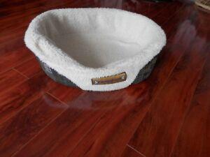 accessoir pour chiens cage,manteau,lit+ mini chien en santé