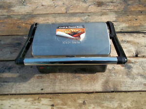Excellent Condition: WestBend Nonstick Panini Press