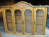 SOLID OAK DISPLAY CABINET/HUTCH, EXCELLENT CONDITION