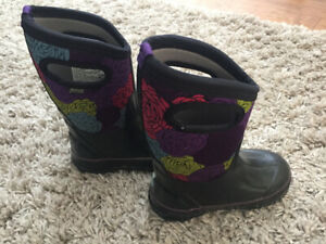 Children's Bogs size 11 - excellent condition