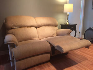 Couch & loveseat (matching La-Z Boy recliners) West Island Greater Montréal image 1